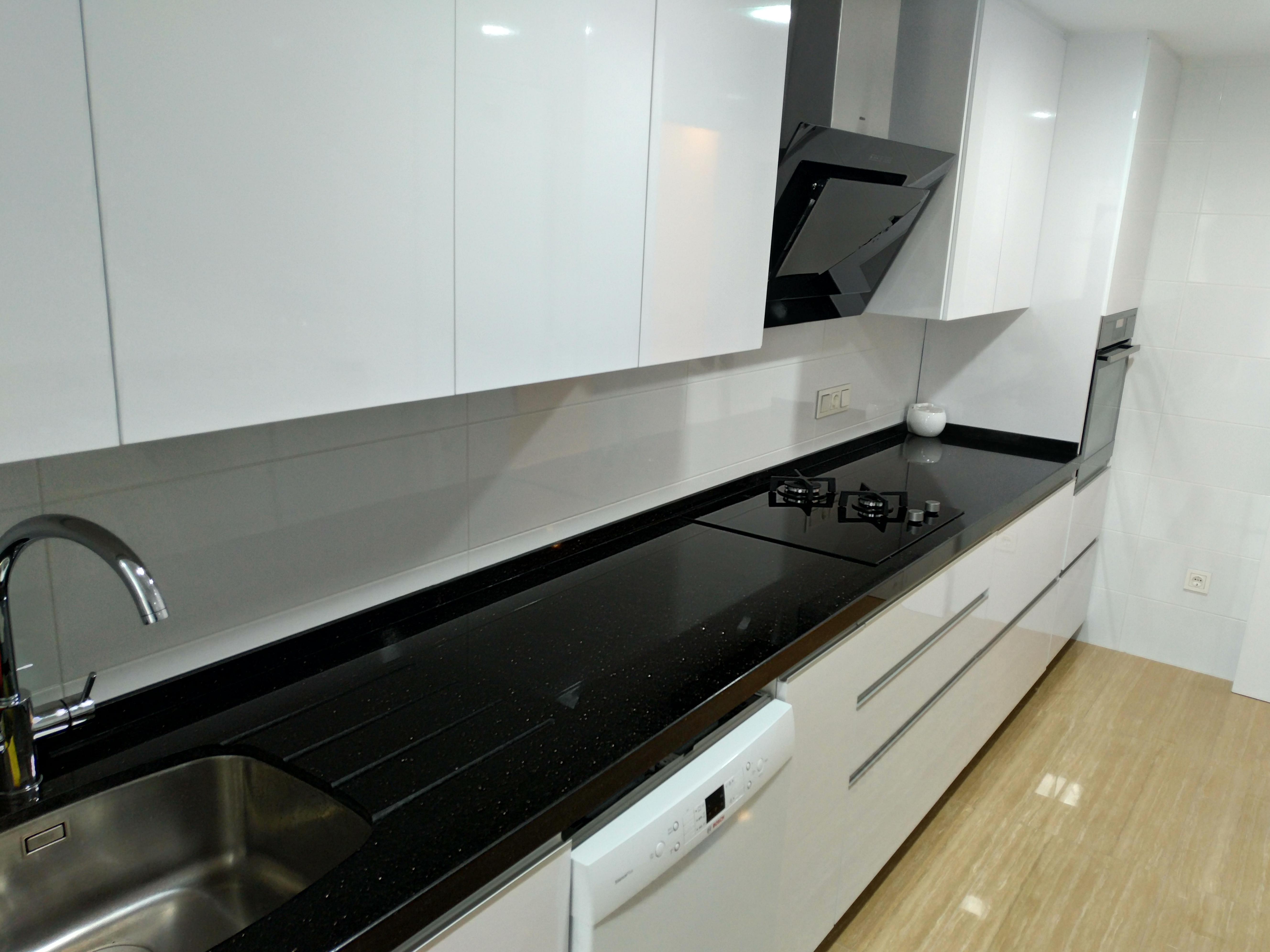 Cocina Blanca Con Bancada Granito Negro Reformas Juan Lopez S L